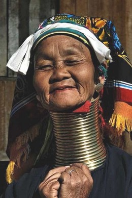 Ma Nang Wearing Her Neck Rings The Can Be Removed But Weakened